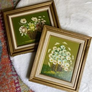 Vintage Set of 2 Floral Daisy Flower Paintings
